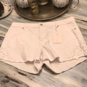NWT white crochet hem shorts